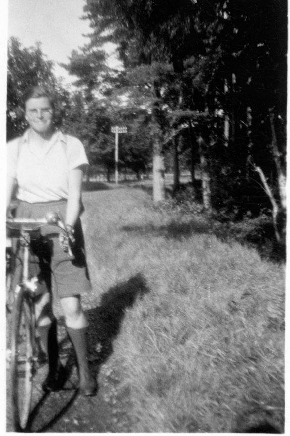 Katharine Connal Cycling Inverness 1934
